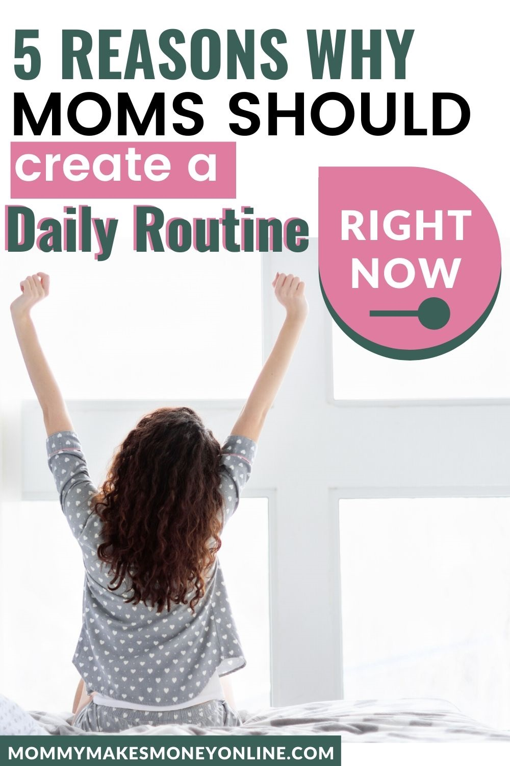 Here are our top tips for daily routine for moms. Looking for a stay at home mom daily schedule? Read this example routine for moms. Plus learn how to create your own stay at home mom schedule. #routine #dailyschedule #sahm