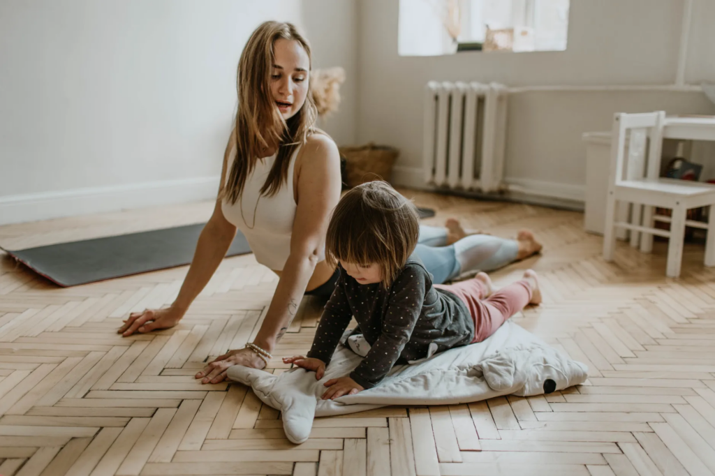 How to find time to work out at home for busy moms!